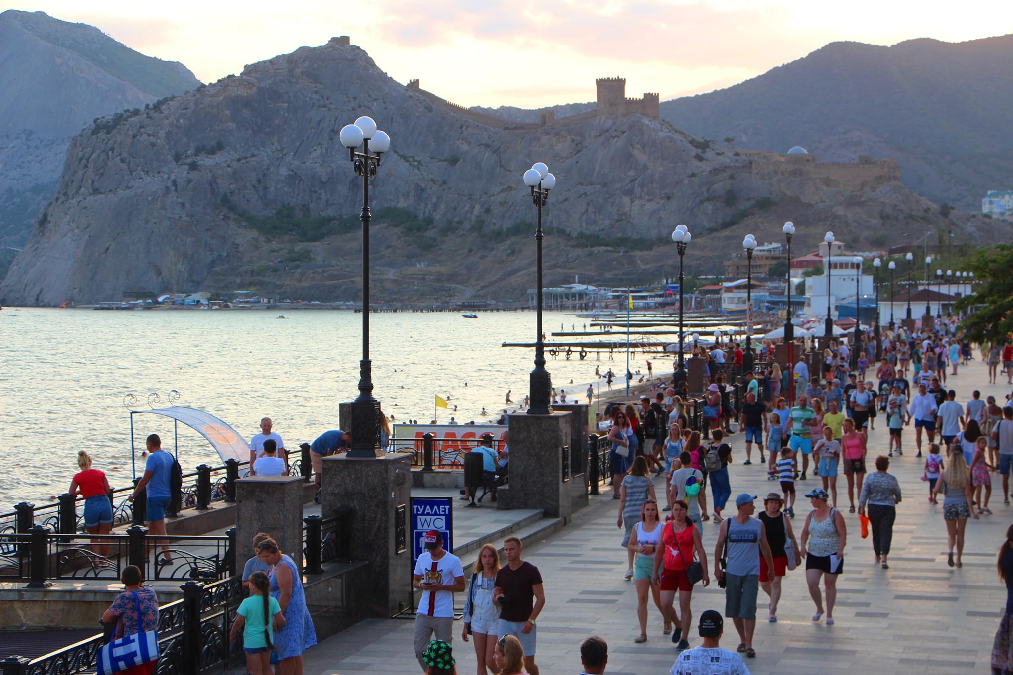 От жадности? Депозит в кафе - новая беда крымского побережья