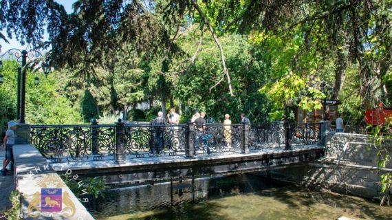 В Ялте завершили ремонт  моста через речку Водопадная