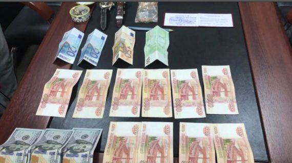 Руководство крымского филиала «Росгранстроя» задержали за взятку в 1,5 миллиона