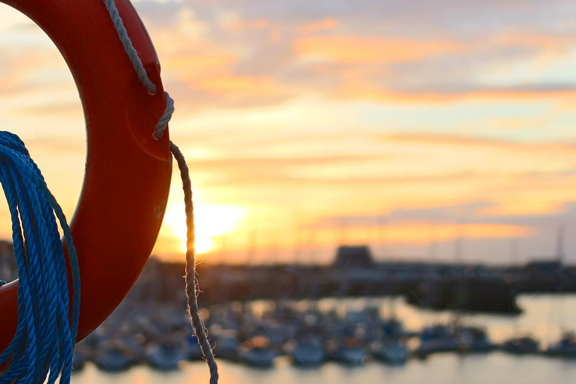 В Крыму сотрудники МЧС за сутки спасли 45 человек в море