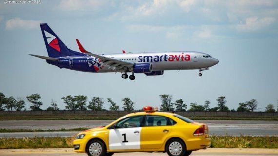 Полсотни фотографов 10 часов снимали полёты лайнеров в аэропорту Симферополь