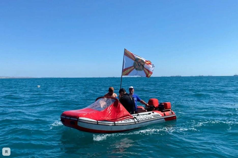 В Керченском проливе нашли утонувшую бронемашину