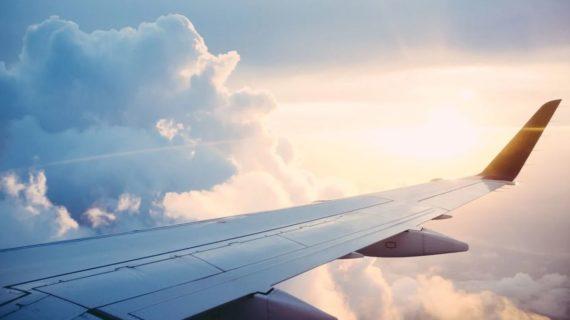 Украина объявила в розыск пилота, летающего в Крым