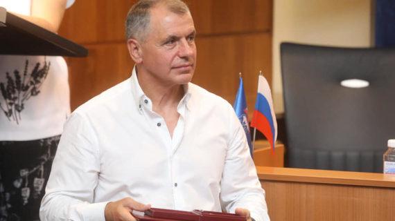 Спикер крымского парламента поздравил строителей с профессиональным праздником