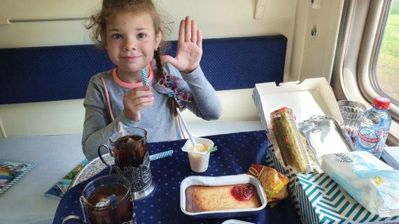 МЧС представит к награде 7-летнюю девочку, которая прыгнула в воду ради спасения друга