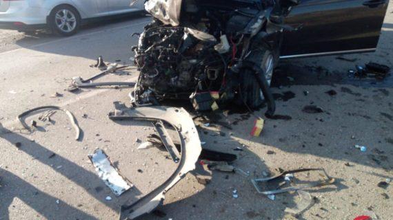 Всмятку: Под Феодосией столкнулись два автомобиля