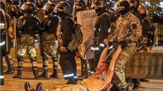 Коллектив медиахолдинга ТРК «Крым» требует освободить задержанных в Минске российских журналистов