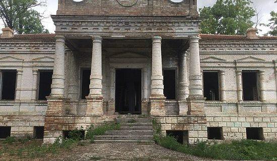 В Нижнегорском районе возрождают усадьбу XIX века