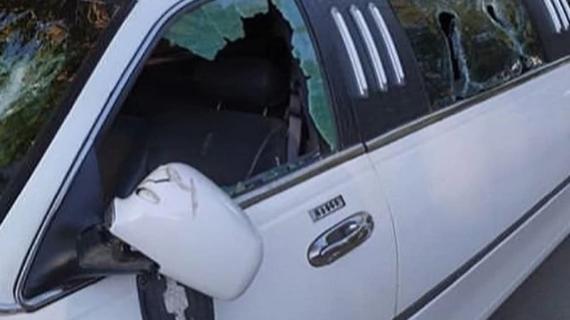 В Крыму во время семейных разборок разбили лимузин