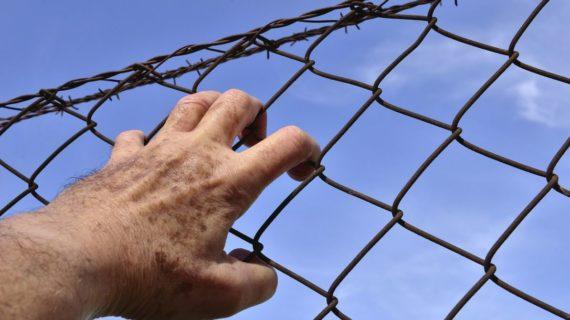 В Крыму мужчина, развративший девочку, получил срок
