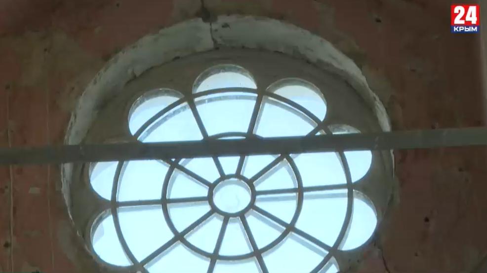 Названа причина, почему приостановилась реконструкция Караимской кенасы в Симферополе