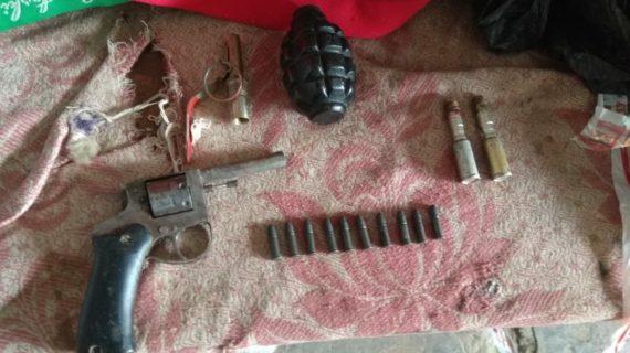 Житель Джанкоя хранил у себя в гараже тротиловую шашку и револьвер