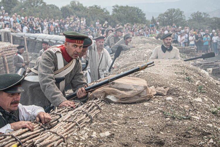 На Федюхиных высотах реконструировали эпизод Первой обороны Севастополя