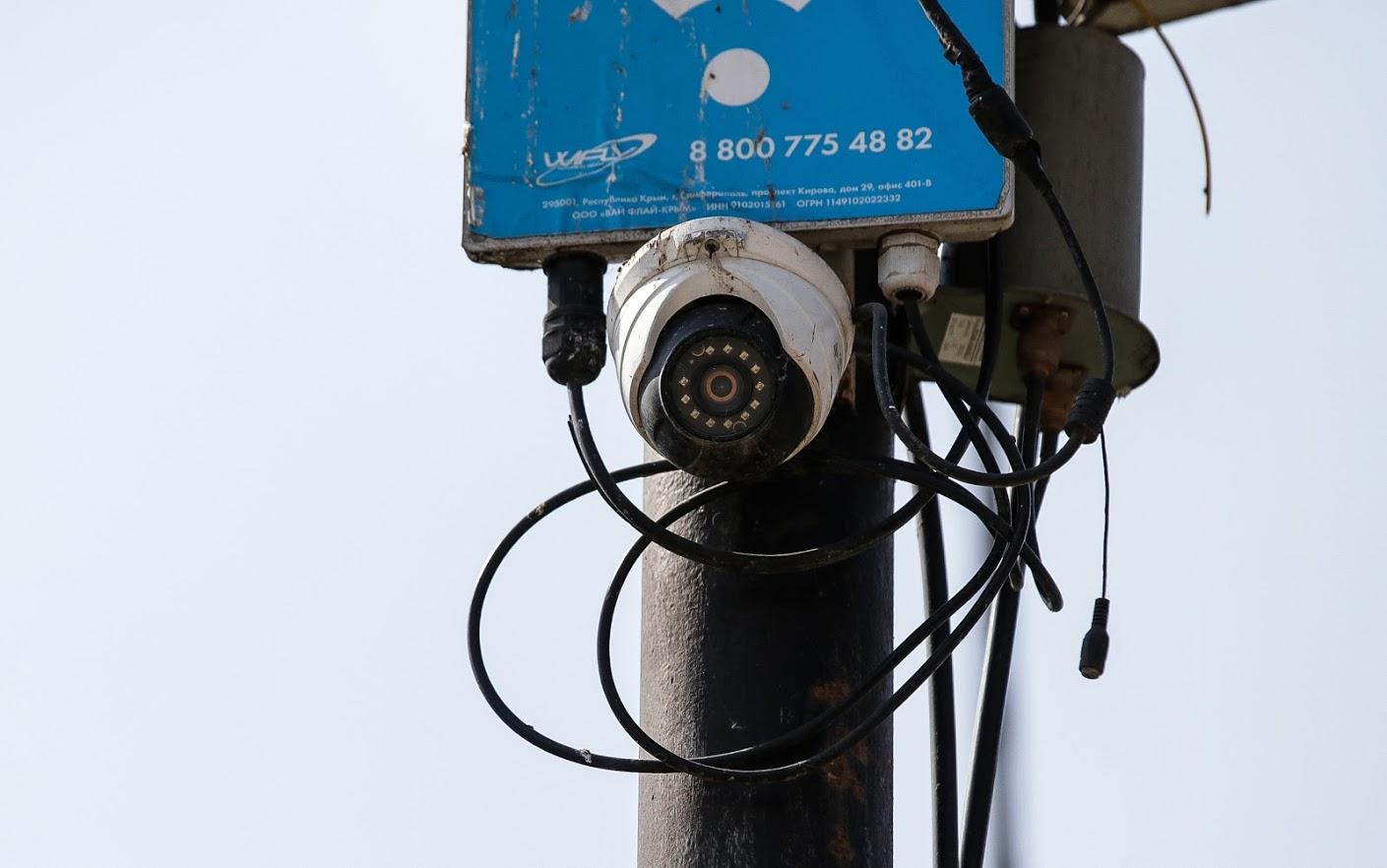Воду необходимо кипятить: Как обеспечили качество, безопасность, график работы ёмкостей с водой в Симферополе