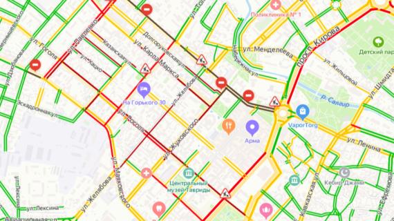 Симферополь «встал» в автомобильных пробках из-за ремонта дороги