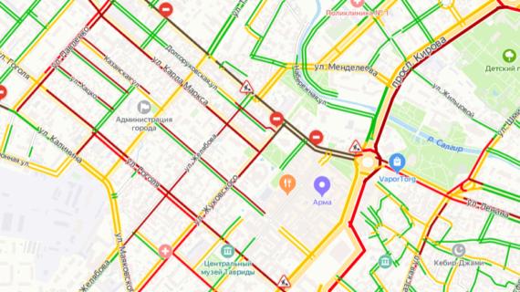«Как в Москве»: жители Симферополя не могут попасть домой из-за автомобильных пробок