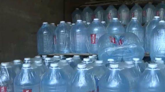 В Крыму «Волонтёры воды» развезли сотни литров воды для нуждающихся