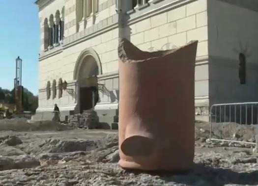 В Севастополе археологи обнаружили древний некрополь и множество артефактов