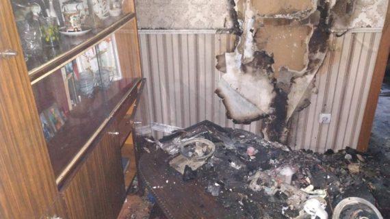 Сотрудники МЧС потушили пожар в одной из квартир Симферополя