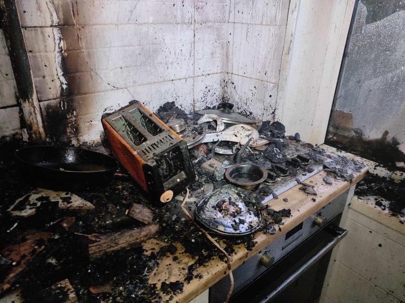 В многоэтажке Керчи горела квартира