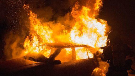В посёлке под Симферополем сгорел автомобиль