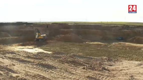Под видом строительства пруда в Белогорском районе добывали полезные ископаемые