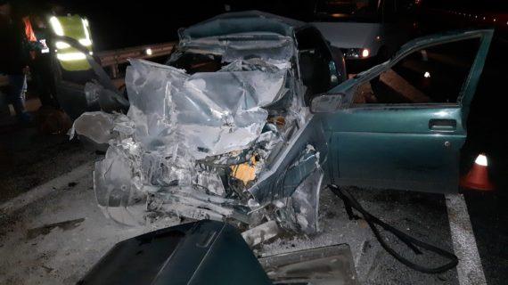 В Крыму погибли 3 человека в ночном ДТП