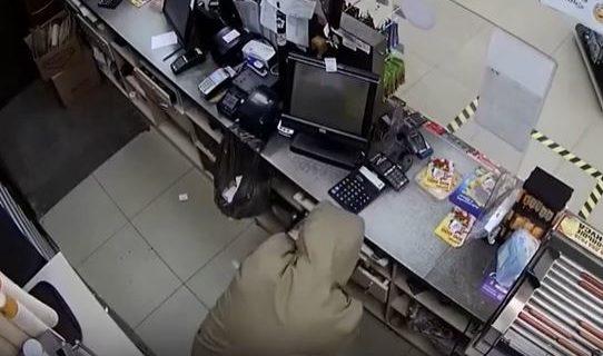 Трое крымчан ограбили АЗС в Симферополе