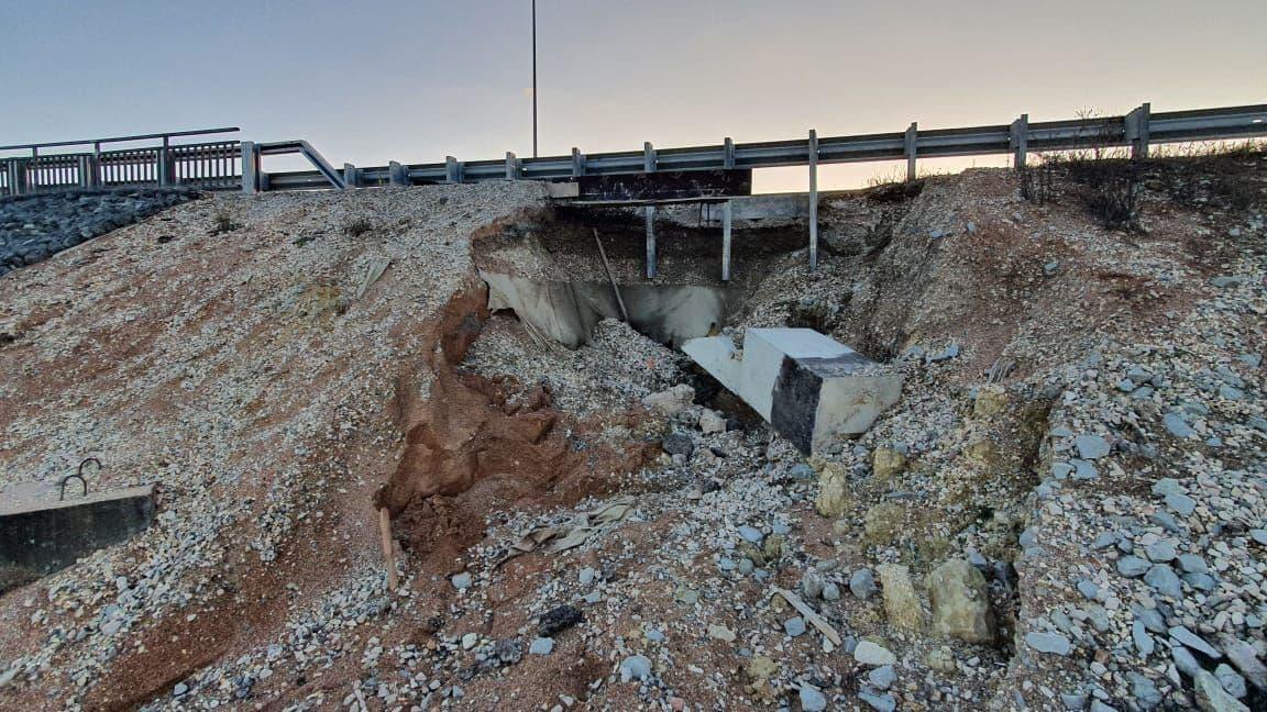 В Минтрансе Крыма объяснили причину обвала  на трассе «Дубки-Левадки»