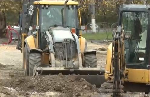Благоустройство сквера перед Дворцом культуры профсоюзов в Симферополе выполнено больше чем на 60%