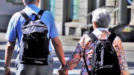 В Крыму пожилая пара праздновала золотую свадьбу и заболела коронавирусом