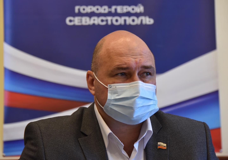 У председателя Заксобрания Севастополя обнаружили коронавирус