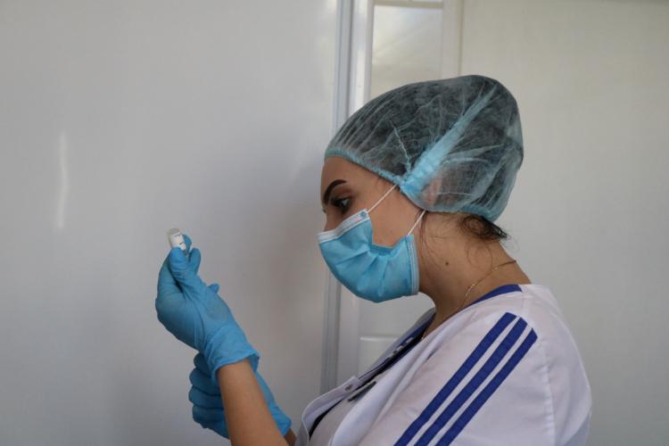 В Севастополе вакцинировали 160 медиков от коронавируса