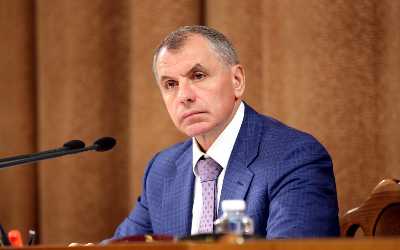 Константинов поздравил работников СМИ с Днём российской печати