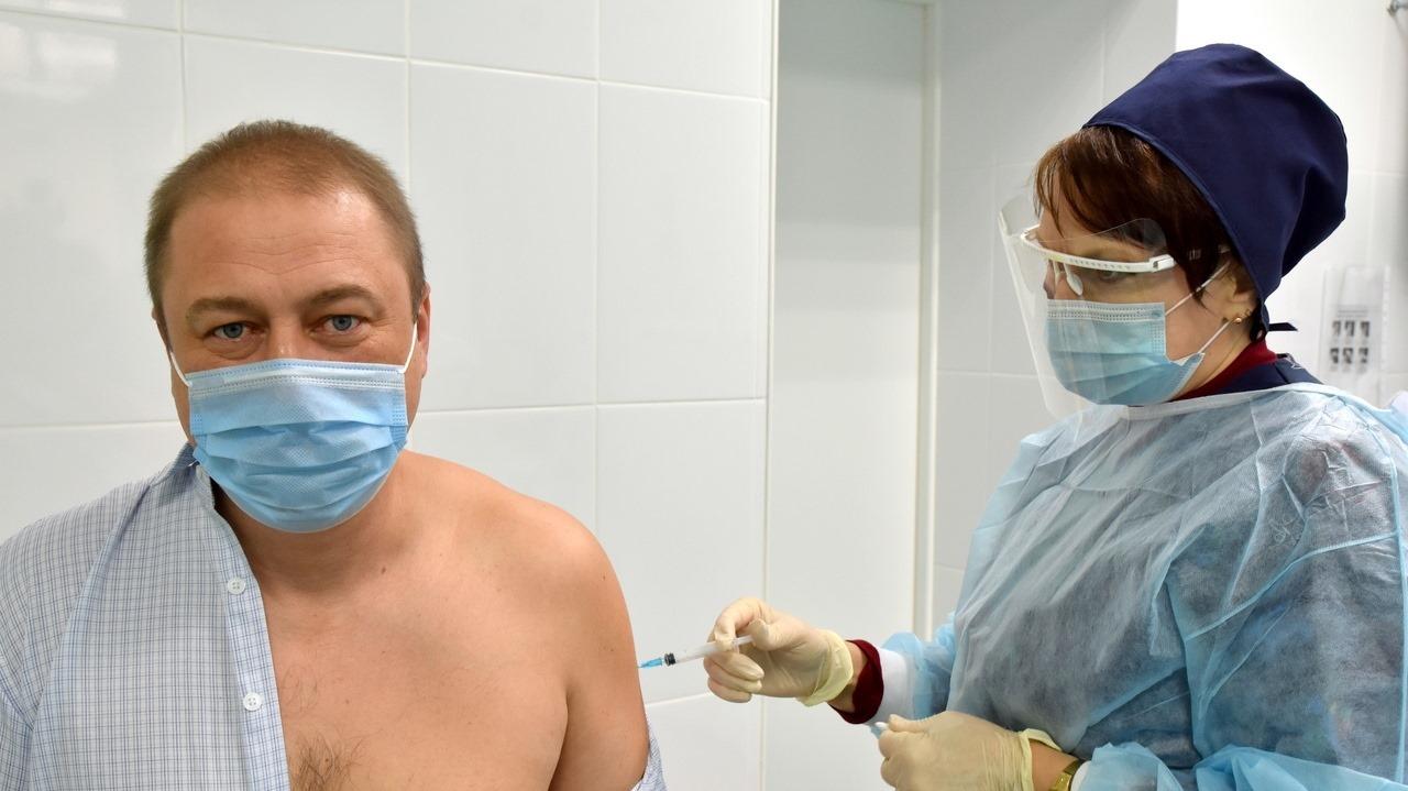 Пандемия коронавируса: В 2021 году планируется привить 60% населения Крыма