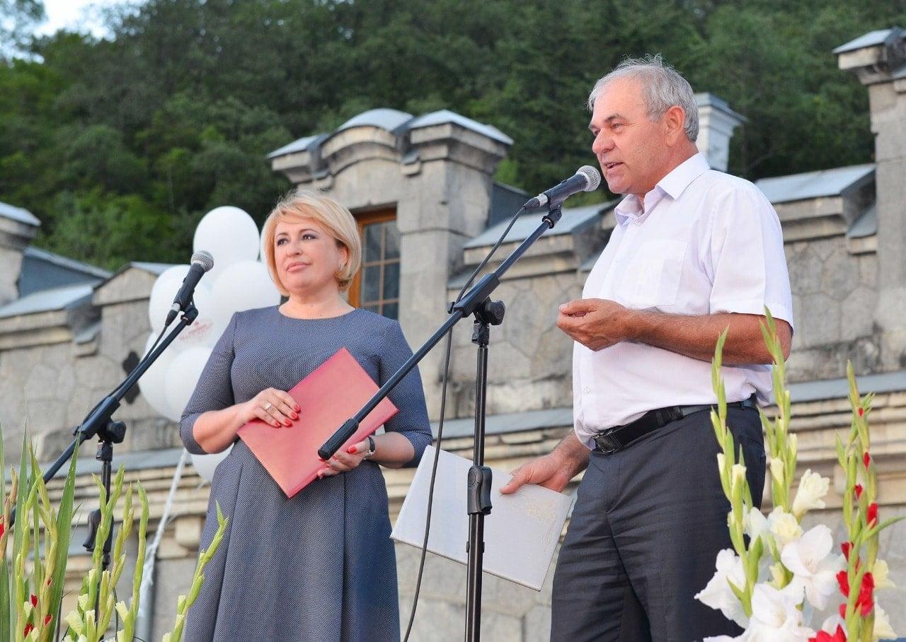 Глава Ялты поздравила Алексея Пугачева с назначением на должность генерального директора «Массандры»