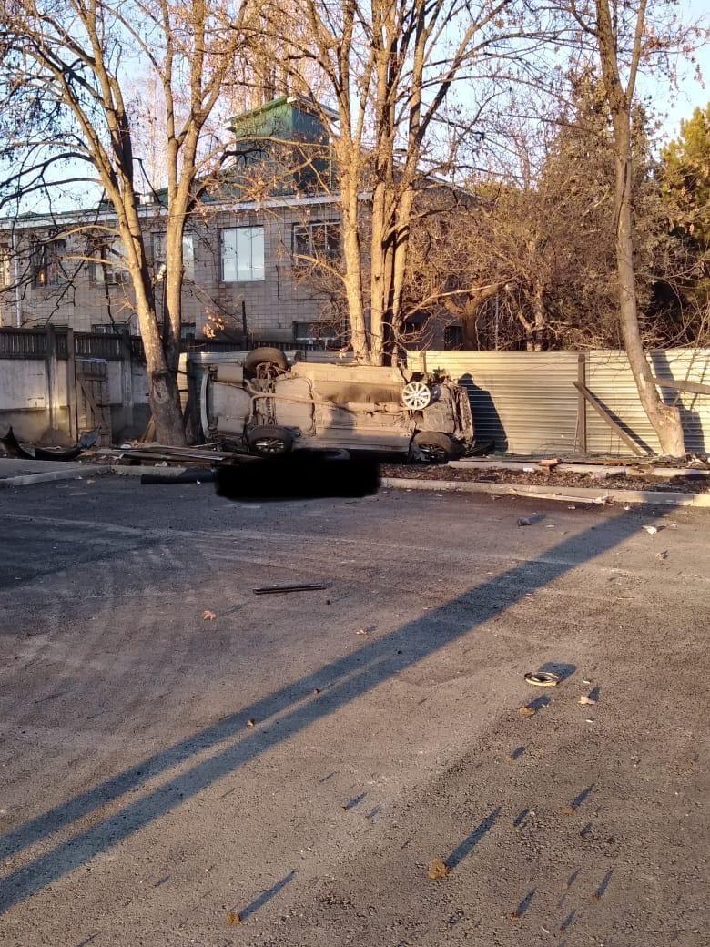 Смертельное ДТП в Крыму: Toyota влетела в бордюр