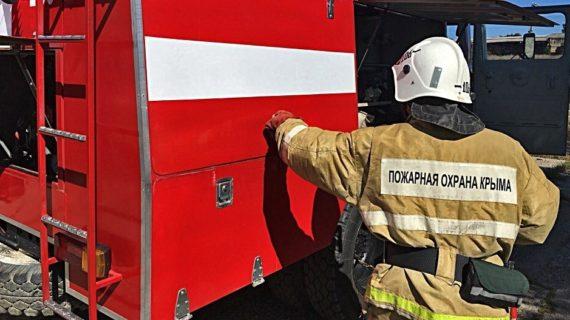 В районе Феодосии спасатели предотвратили пожар в частном доме