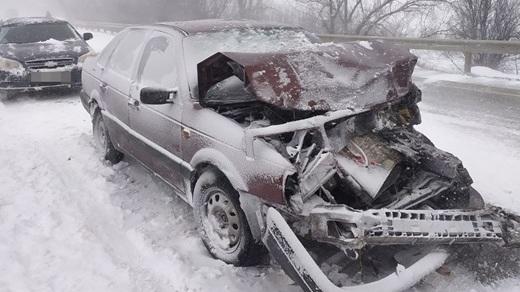 Семь автомобилей столкнулись под Феодосией