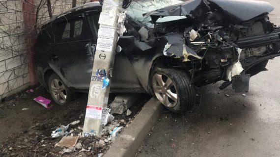 Ночью жители двух улиц в Симферополе остались без света из-за ДТП