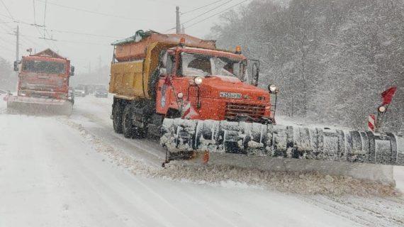 Снегопад в Крыму 17 января 2021: как работают коммунальщики