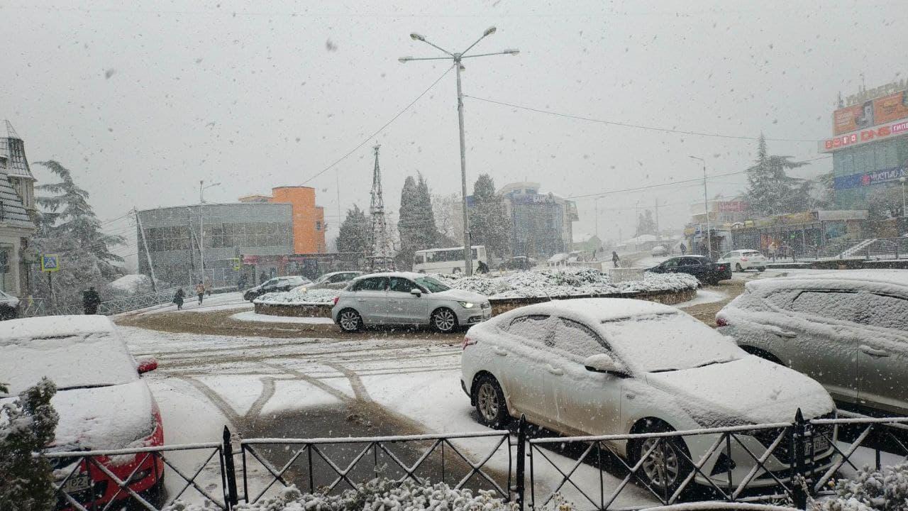 В Алушту прибыл дополнительный спецтранспорт из других регионов Крыма
