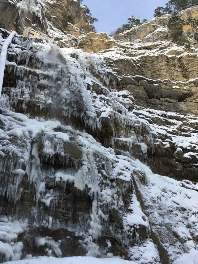 В Крыму замёрз водопад Учан-Су