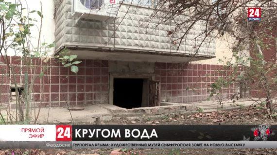 Не уйти под воду. Несколько улиц Приморского долгие годы затапливает. Почему местные власти не могут решить коммунальную проблему?