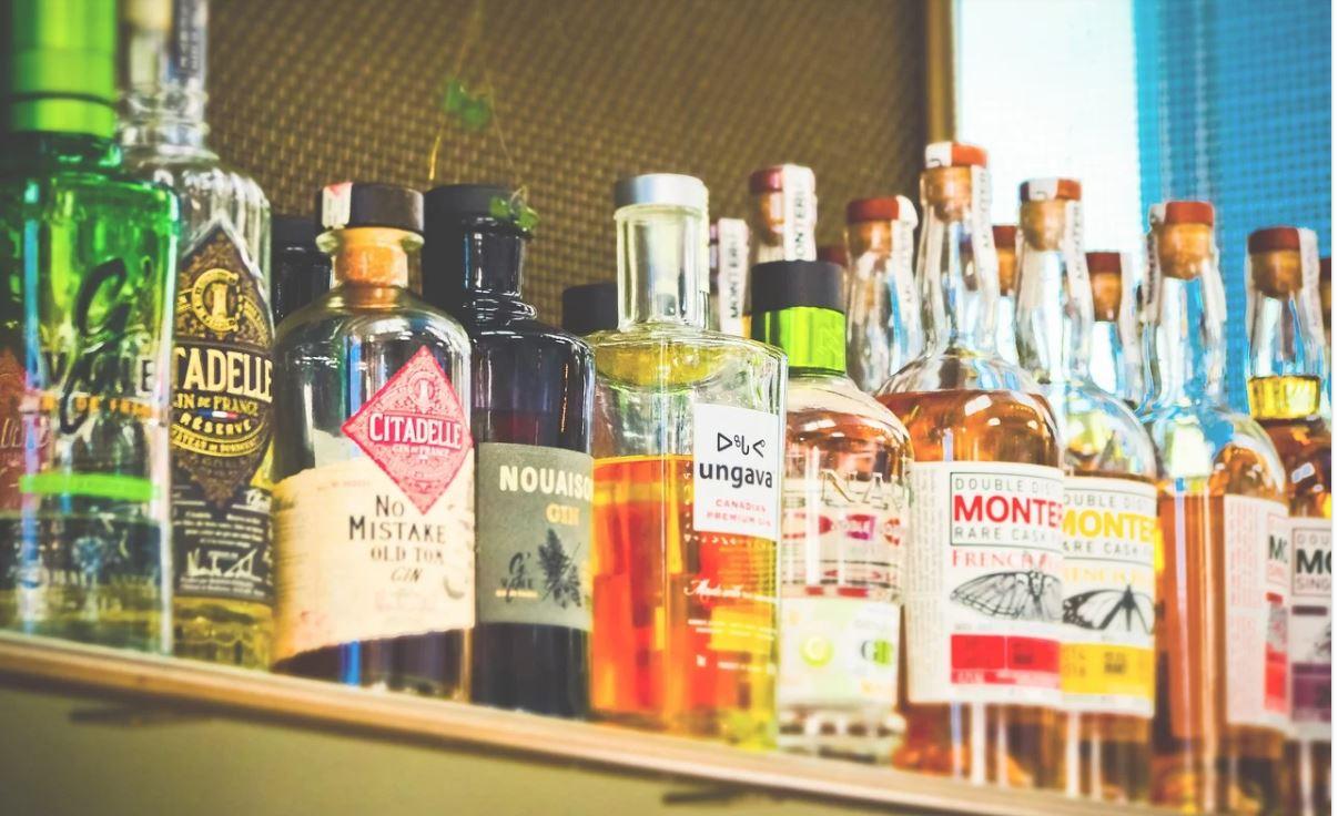 В России предложили продавать крепкий алкоголь только в алкомаркетах