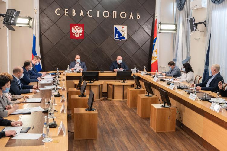 В Севастополе решат проблему с хаотичным размещением самокатов в городе