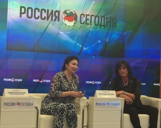 Министр культуры Крыма рассказала, почему засветилась перед камерами в эпатажном леопардовом костюме