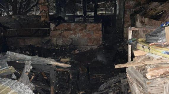 """""""Просто стечение обстоятельств"""": Родственники погибшего на пожаре 9-месячного мальчика просят не винить семью"""