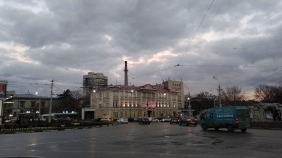 В центре Симферополя и Каменке отключат свет 13 мая