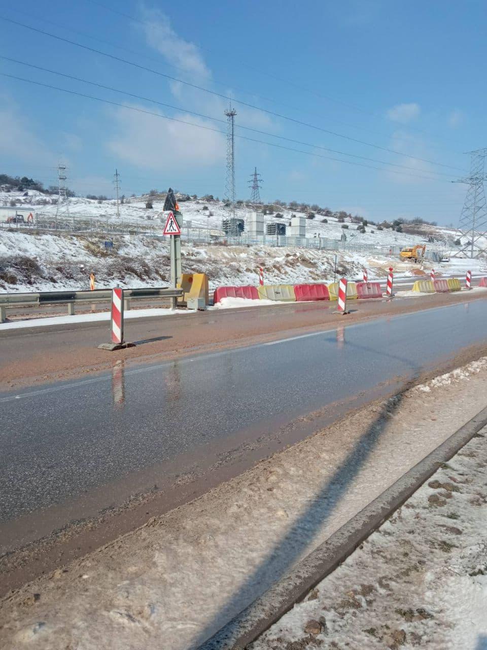 Из-за непогоды трассу «Таврида» от Белогорска до Керчи закрыли